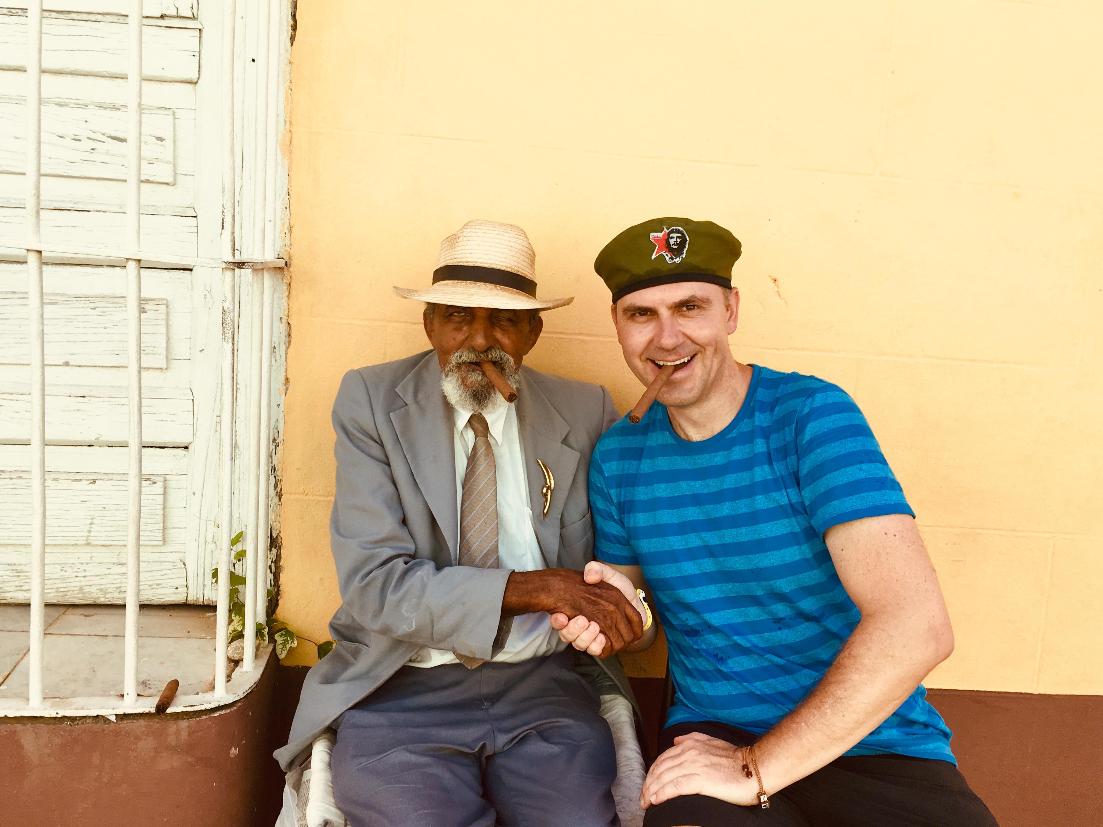 Knut in Kuba mit Zigarre